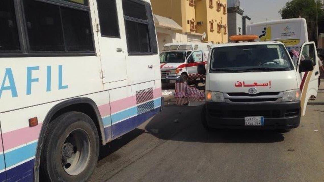 وفاة طالبة وإصابة اثنتين في حادث لباص مدرسي