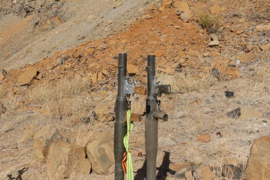 اسلحه و مهمات به غنیمت برده شده از حوثیها