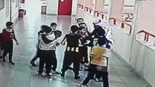فيديو.. معلم في تبوك ينقذ طالبا اختنق بعملة معدنية