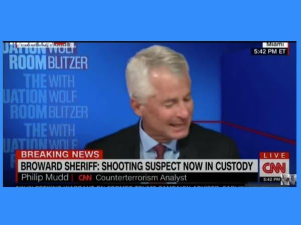 بكاء على الهواء.. عميل FBI سابق ينتحب لمجزرة فلوريدا