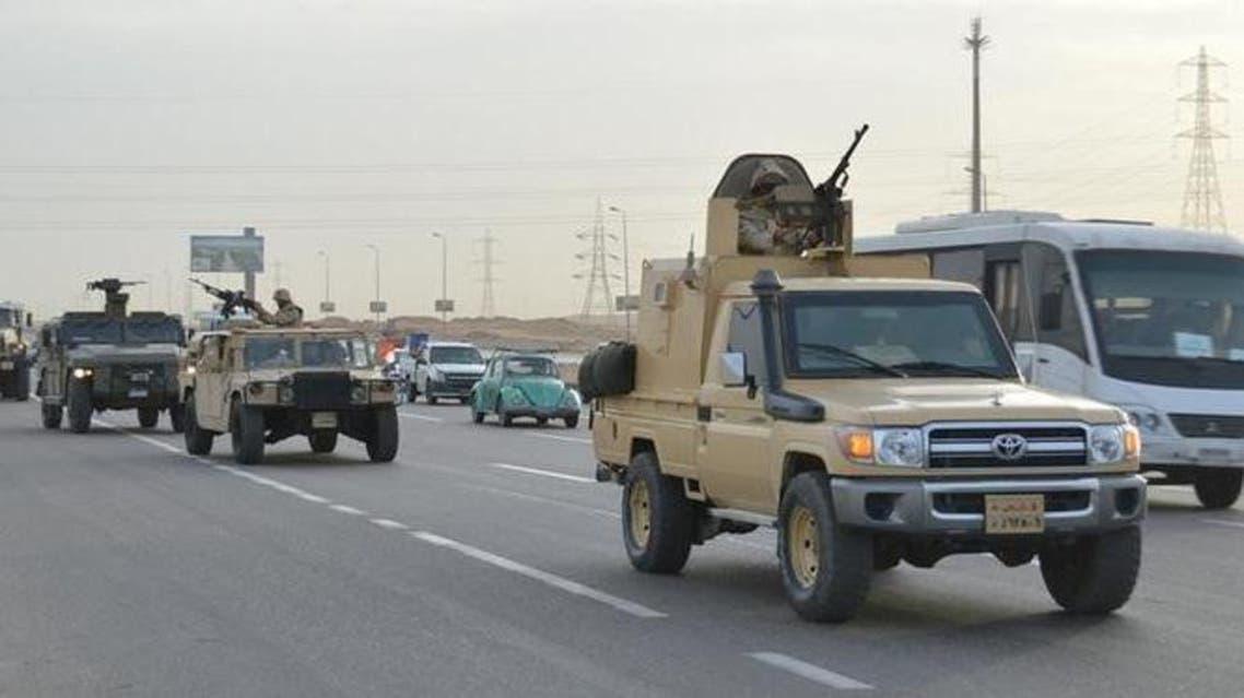مركبات عسكرية تابعة للجيش المصري في طريقها إلى الاسماعيلية