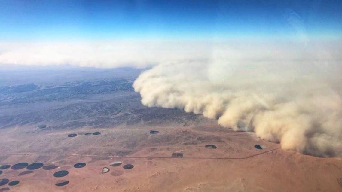 sandstorm in saudi arabia courtesy sabq