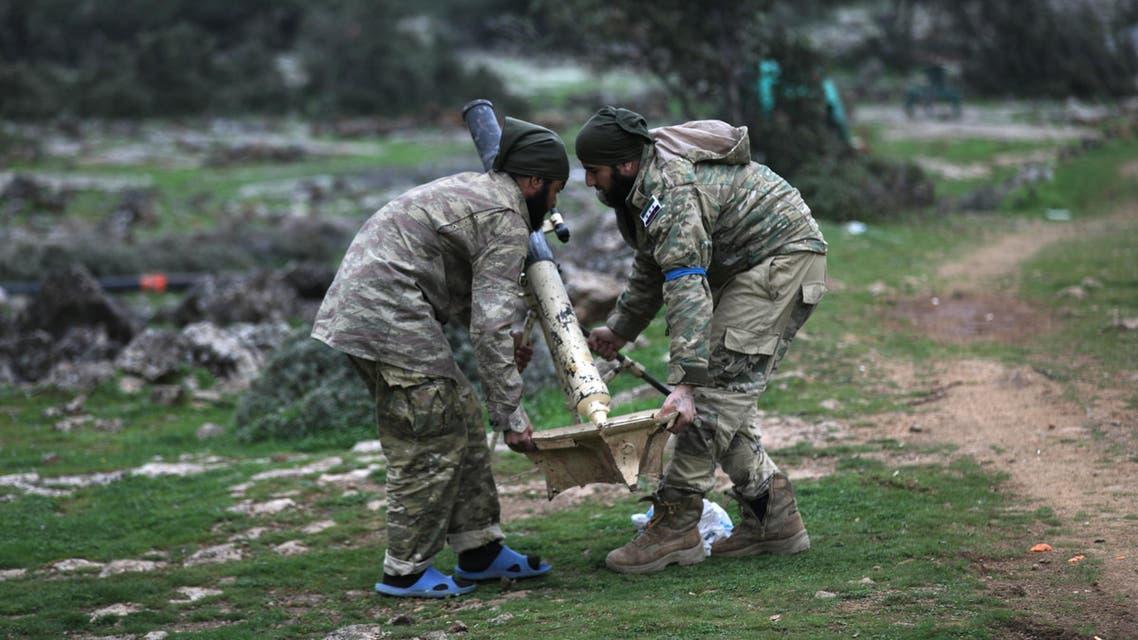 عنصران من الجيش الحر خارج عفرين 3