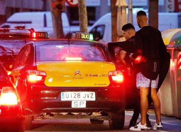 رفاق فيليبي استقلوا سيارة أجرة