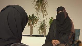 داعية سعودية سابقة تروي قصتها مع الصحوة والعباءة