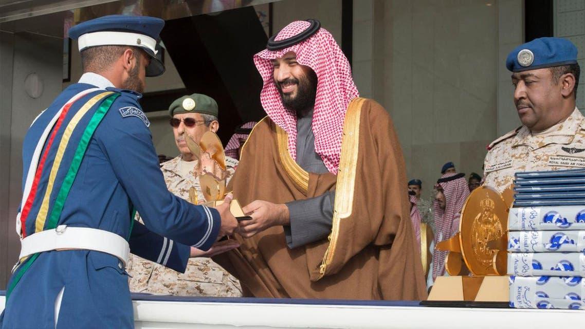 ولي العهد يرعى حفل تخريج الدفعة 93 من طلبة كلية الملك فيصل الجوية 1