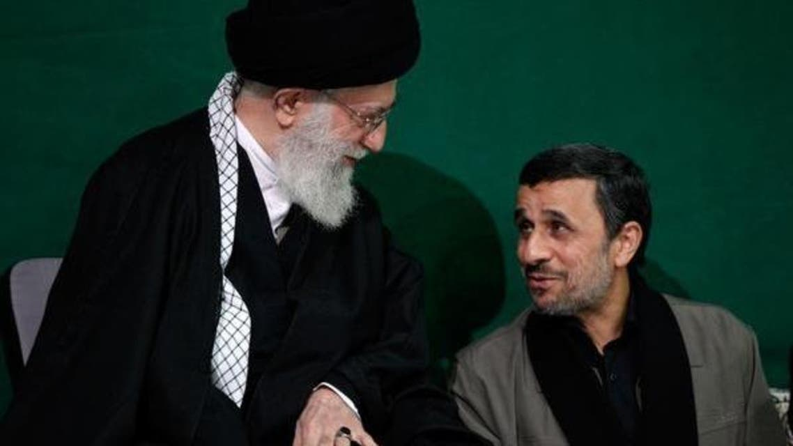 الرئيس الايراني الاسبق محمود أحمدي نجاد والمرشد الأعلى للنظام الايراني علي خامنئي