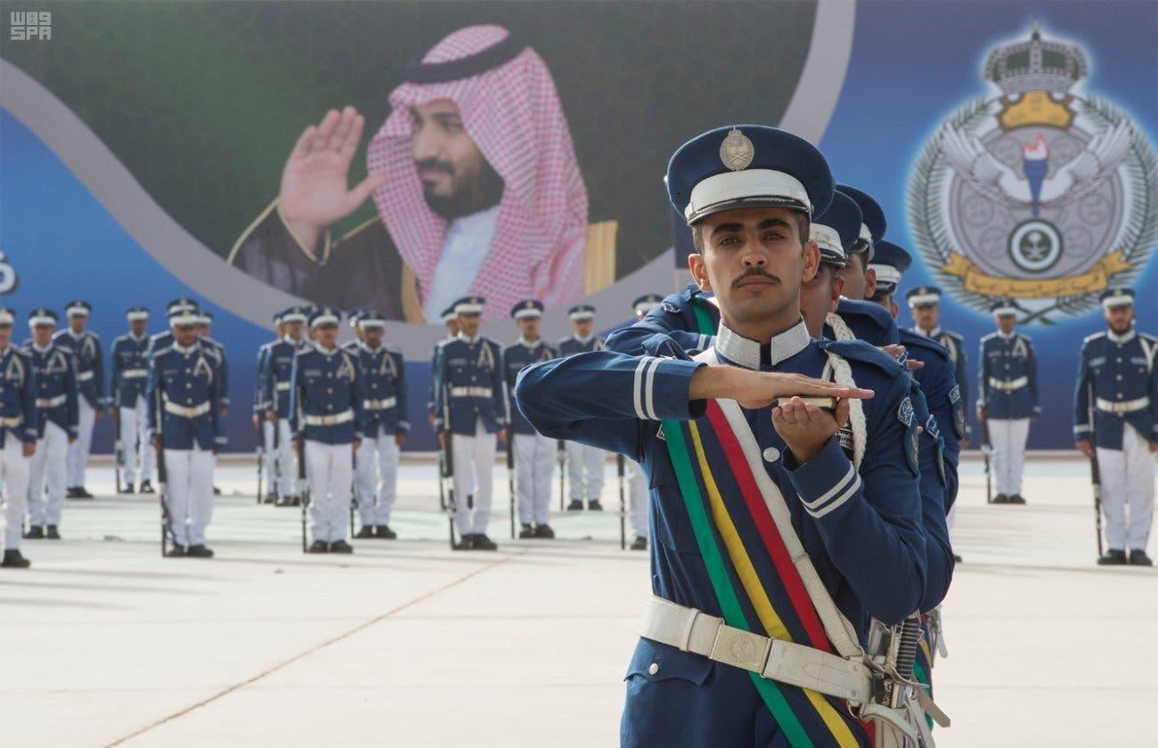 ولي العهد يرعى حفل تخريج الدفعة 93 من طلبة كلية الملك فيصل الجوية 5