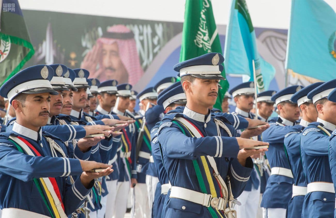 ولي العهد يرعى حفل تخريج الدفعة 93 من طلبة كلية الملك فيصل الجوية 6