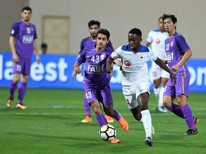 تعليق نشاط كرة القدم في الإمارات 4 أسابيع