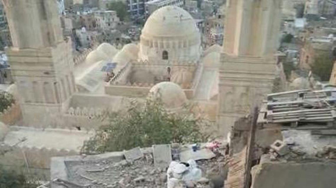 تضرر مسجد الاشرفية بقذيفة حوثية استهدفت منزلا بجواره اليوم الاحد