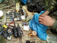 بالصور..هواتف مفخخة ومتفجرات بمخابئ إرهابيين بالجزائر