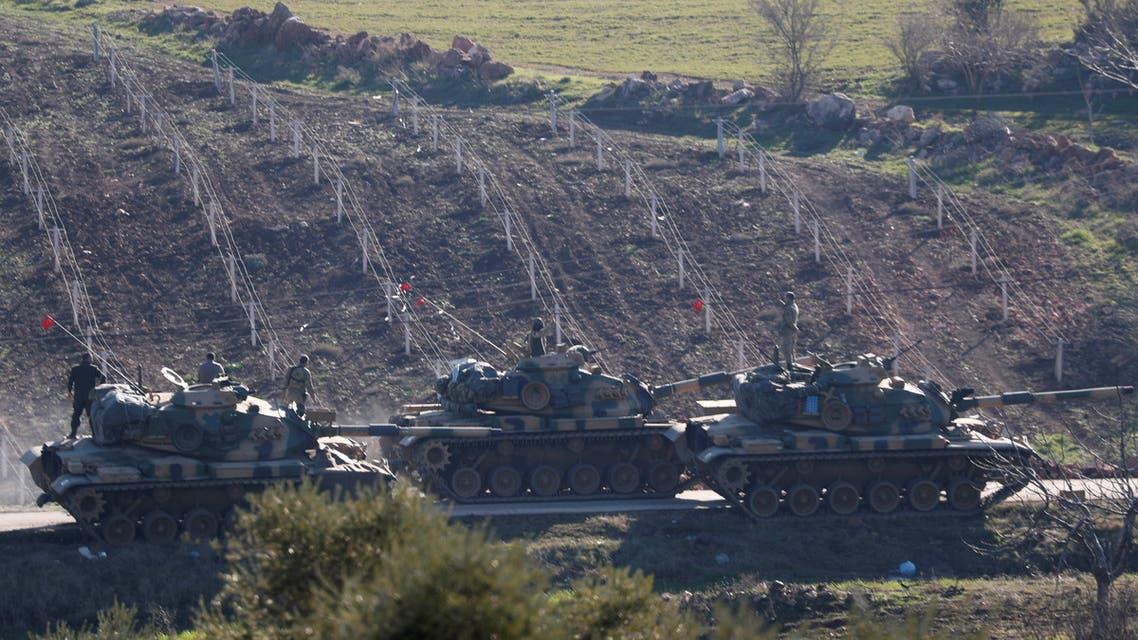 دبابات تركية قرب الحدود مع سوريا 3
