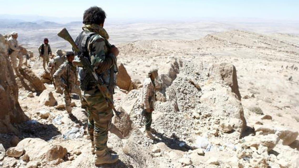 جندي يمني في جبهة نهم على مشارف صنعاء