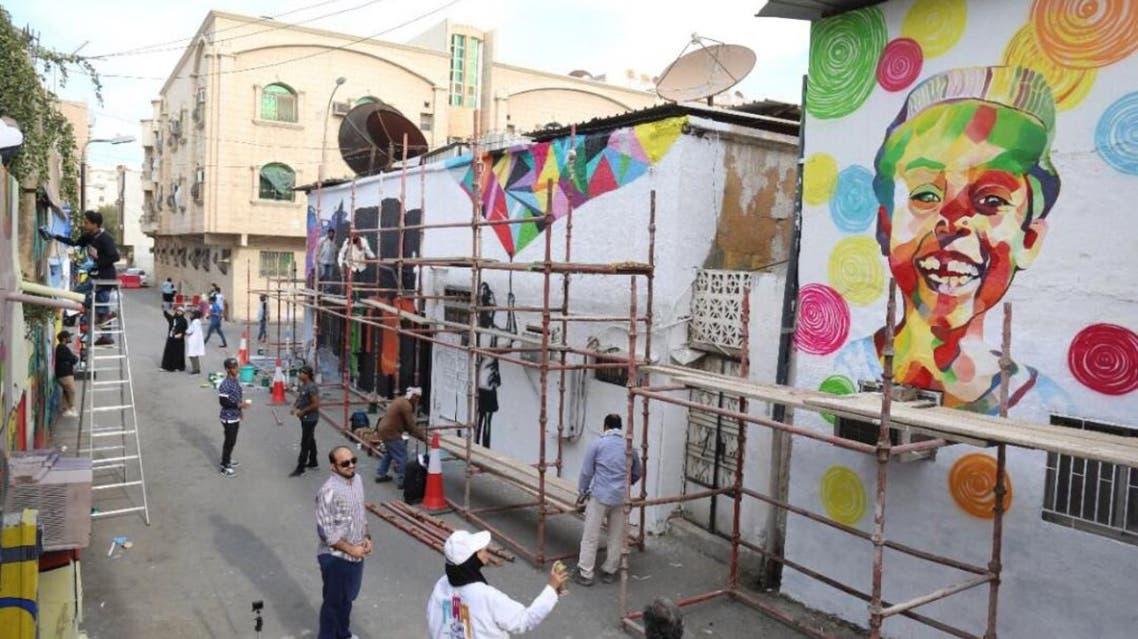 """كيف تحولت منازل قديمة لواجهات سياحية شرق السعودية"""""""