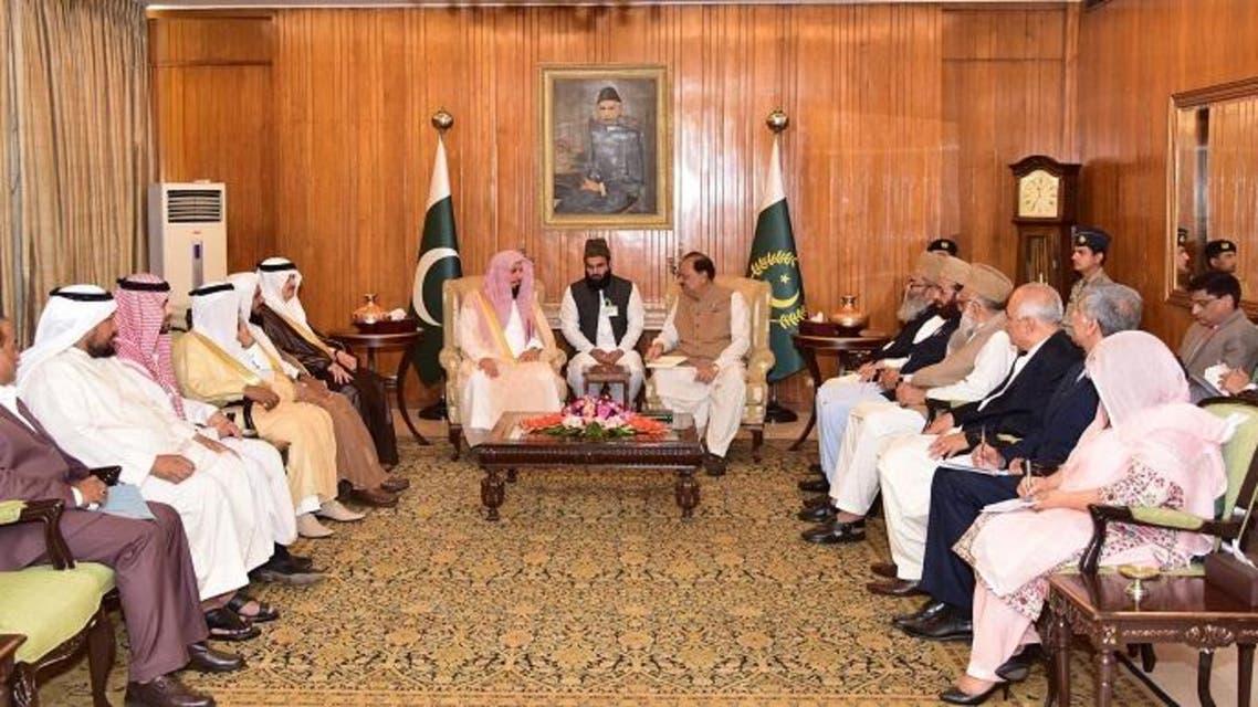 President of Pakistan mamnoon hussian met with immam e kabaa