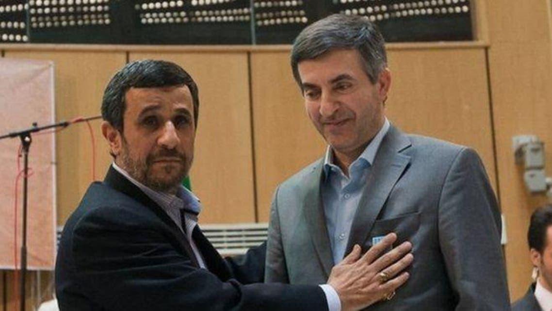 أحمدي نجاد ونائبه السابق اسفنديار رحيم مشايي