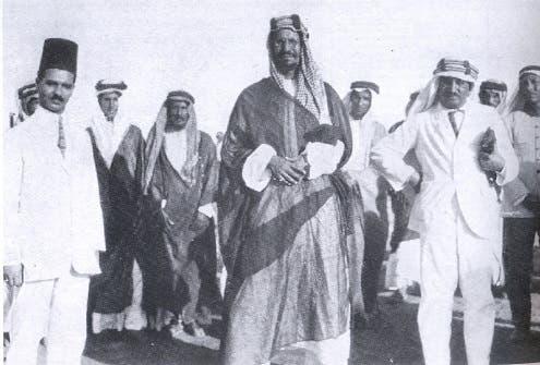 الملك عبدالعزيز في العقير أول ميناء بحري في السعودية