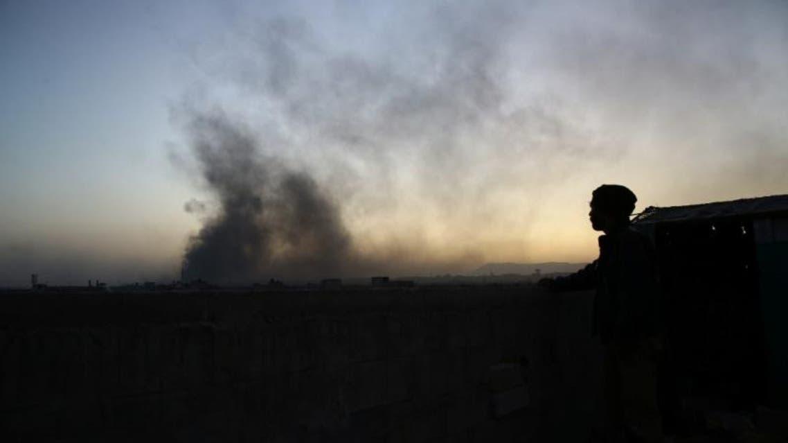 دخان يتصاعد من حرستا بالغوطة الشرقية