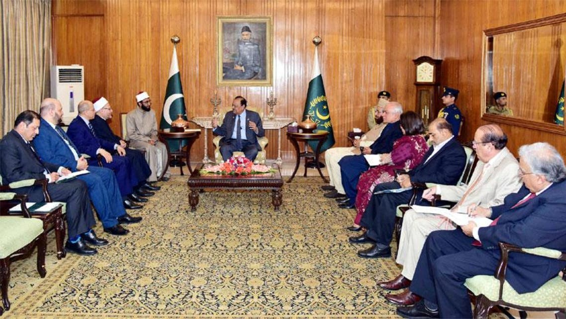 MUFTI EGYPT MEETING WITH PAKISTAN PRESIDENT