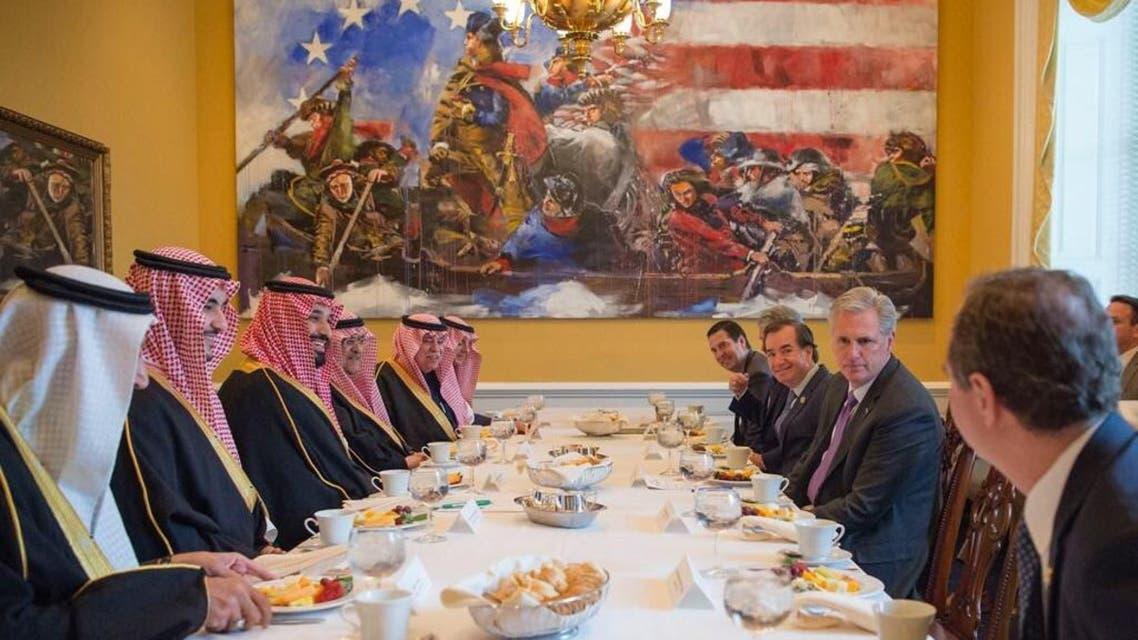 الأمير محمد بن سلمان يلتقي أعضاء من الكونغرس الأميركي