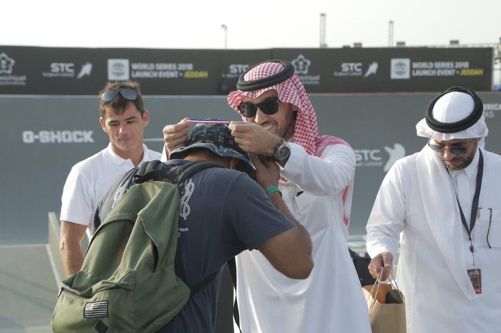 نائب رئيس هيئة الرياضة يكرم الفائزين في مسابقة التزلج