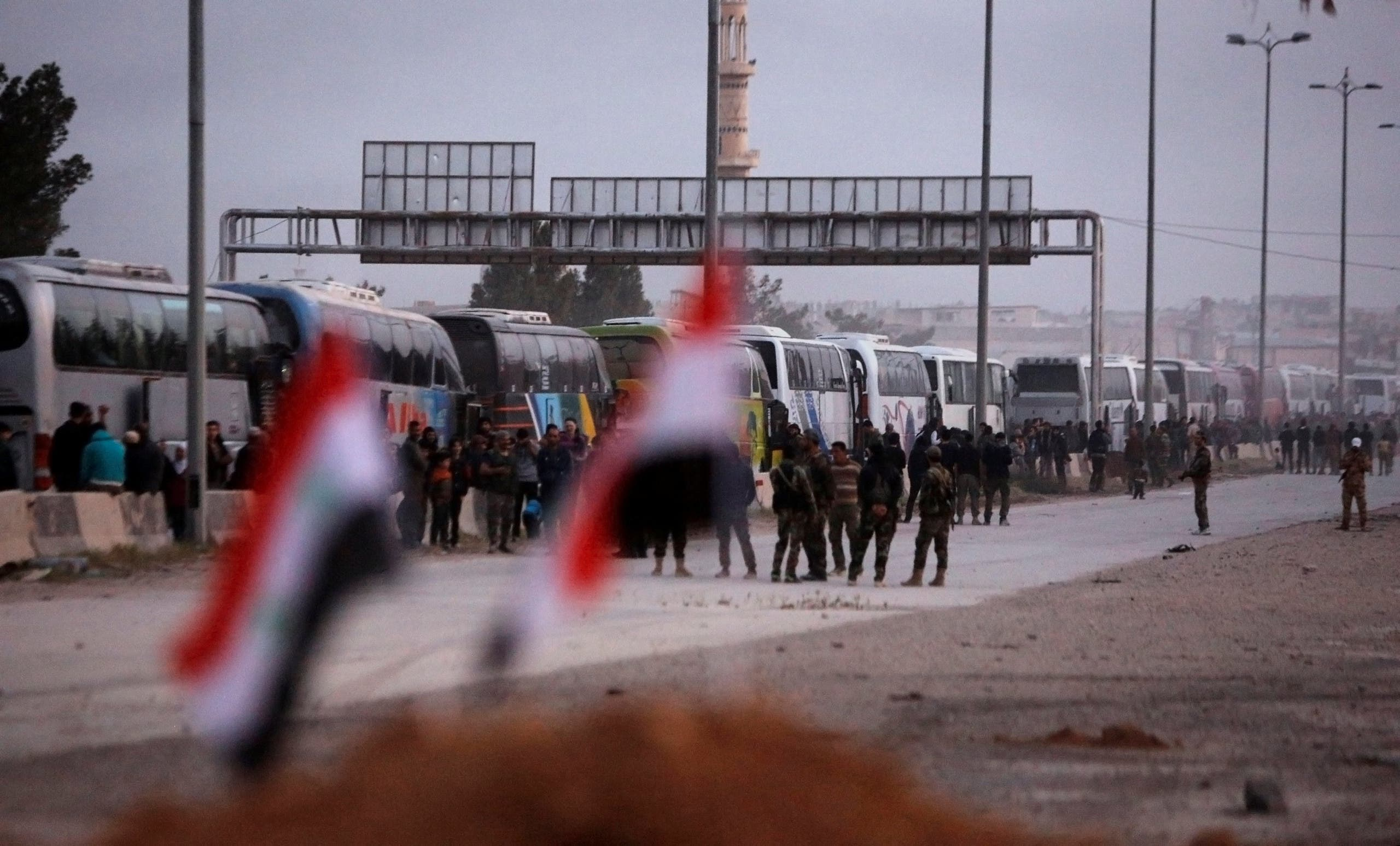 الدفعة الأولى من أحرار الشام تغادر الغوطة