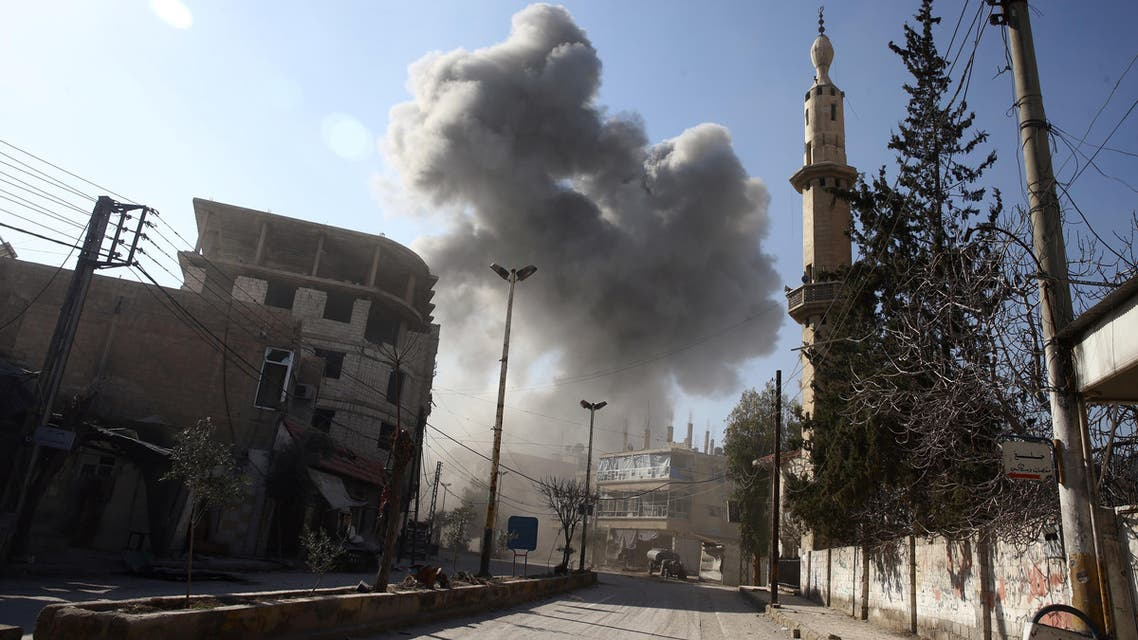 Damascus, Syria Smoke rises from the rebel held besieged town of Hamouriyeh, eastern Ghouta, near Damascus, Syria, February 21, 2018. REUTERS/Bassam Khabieh