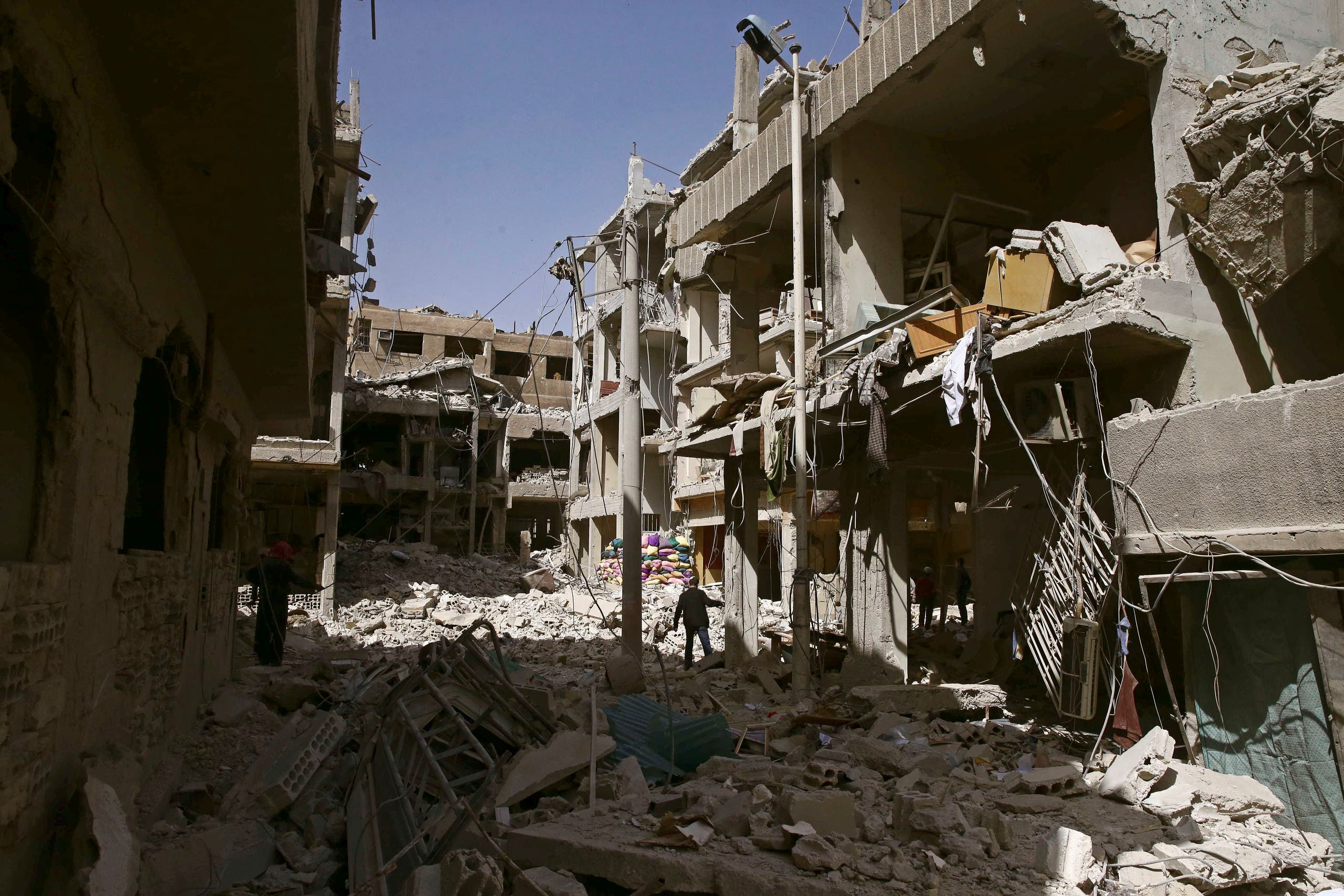 جانب من الدمار في دوما بالغوطة الشرقية
