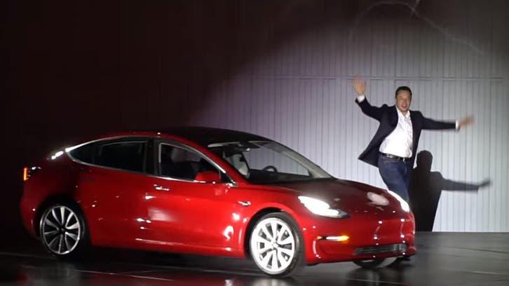 الصين مرتابة من سياراته.. وإيلون ماسك يعلق