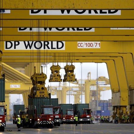 3.1 % نمو مناولة الحاويات بموانئ دبي العالمية في الربع الثالث