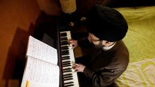 لبنان میں شیعہ عالم کو پیانو بجانے پر مدرسے سے نکال دیا گیا