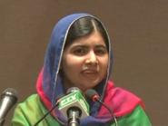 وسط دموعها.. ملالا: لو كان لي خيار لما غادرت باكستان