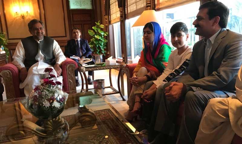 مع رئيس الحكومة الباكستانية