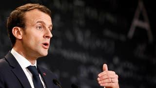 ماكرون: أمرت بتدخل الجيش الفرنسي في سوريا