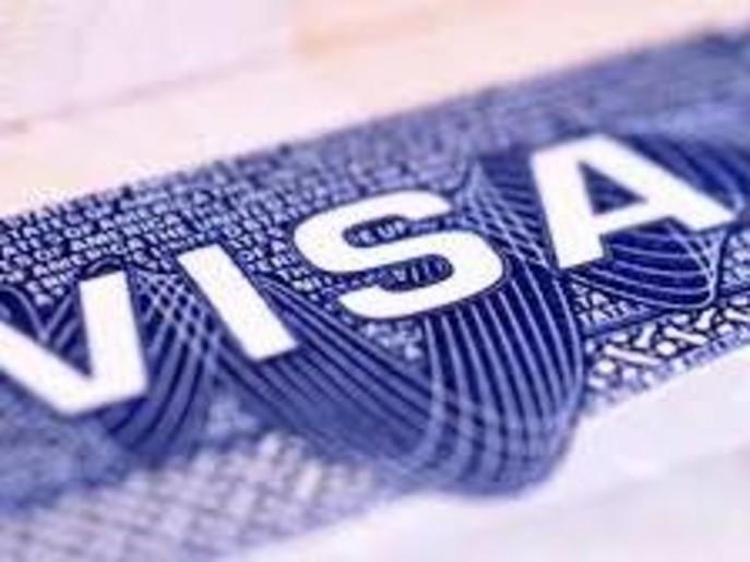 """""""ترمب"""" يعتزم تمديد الحظر على منح تأشيرات العمل الجديدة"""