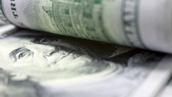 الدولار ينتعش مع استيعاب الأسواق لصدمة النفط