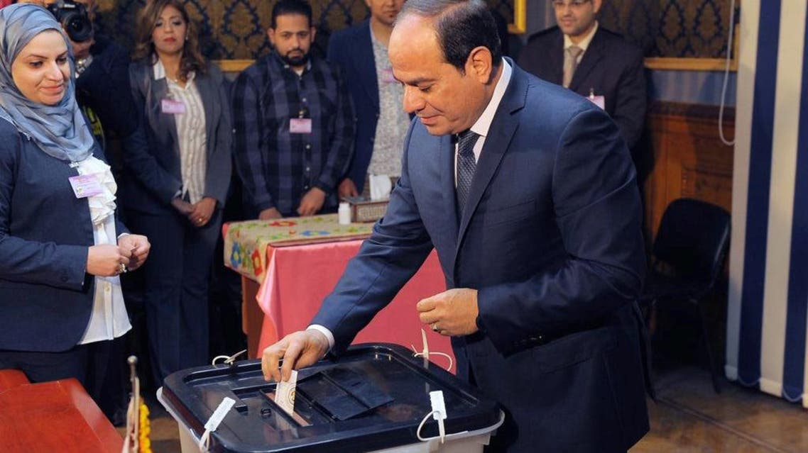 Egyptian President Abdel Fattah al-Sisi casts his vote during the presidential election in Cairo, Egypt  March 26, 2018. The Egyptian Presidency/Handout via REUTERS ATTENTION EDITORS - THIS IMAGE WAS PROVIDED BY A THIRD PARTY.