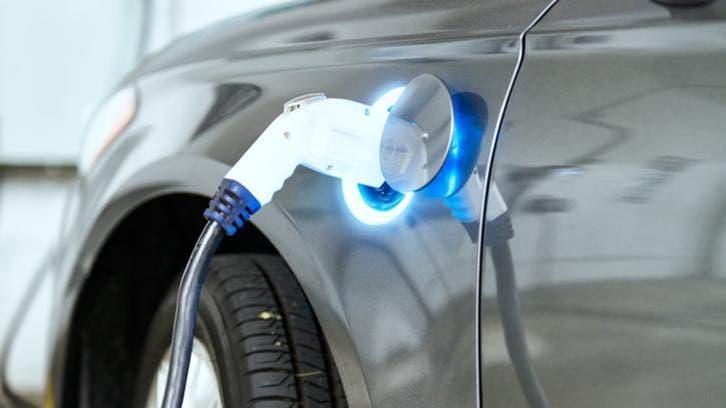 معضلة جديدة تواجه إنتاج السيارات الكهربائية في أوروبا