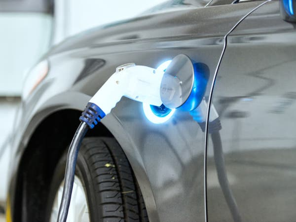 مع بدء استيرادها.. هل مصر مستعدة للسيارات الكهربائية؟