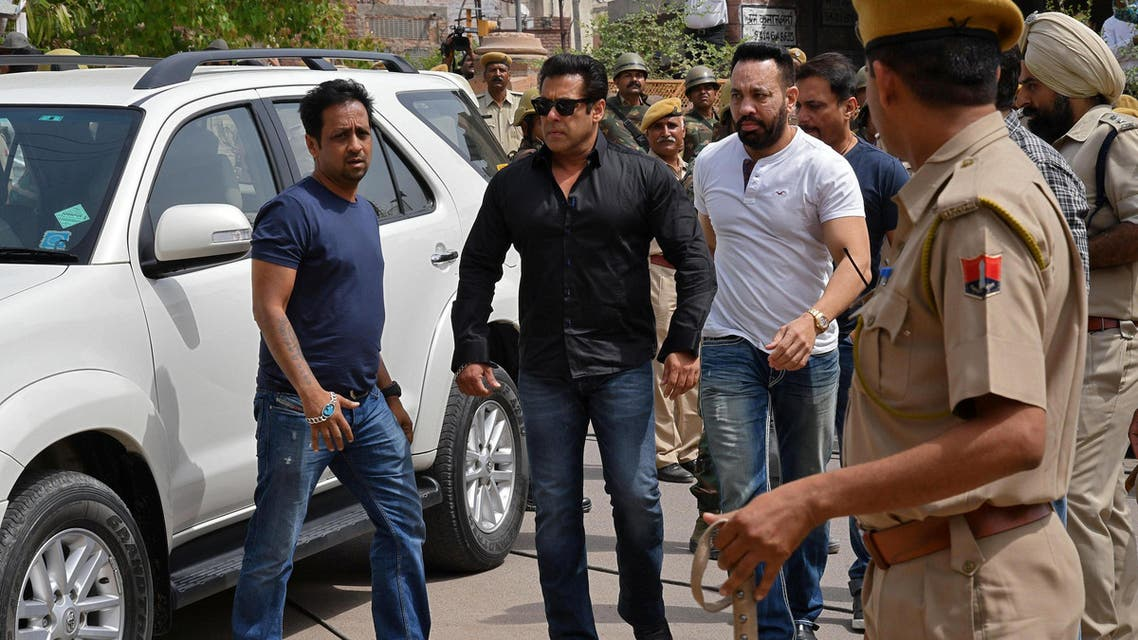 Salman Khan (2nd L) arrives at a court in Jodhpur, Rajasthan on April 5, 2018. (Reuters)