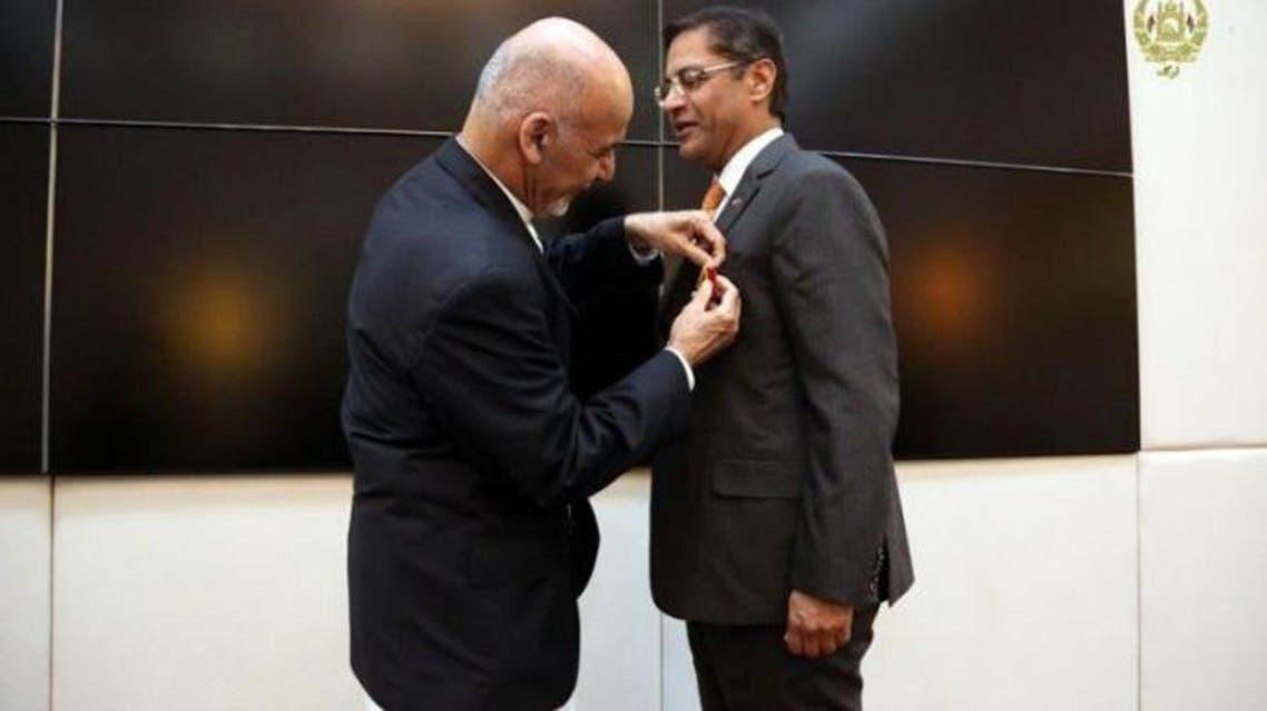 رییسجمهوری افغانستان به سفیر هند در کابل مدال داد