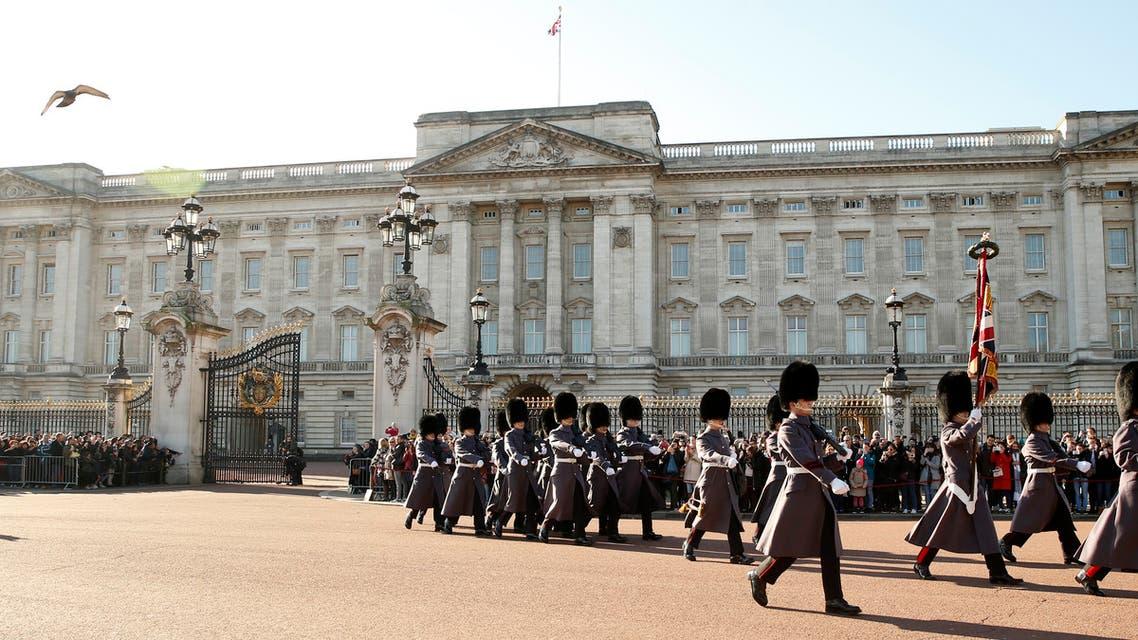 قصر باكنغهام في بريطانيا