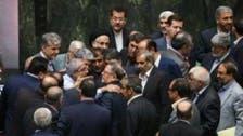 "تضارب داخل برلمان إيران.. انهيار العملة ""وتر"" النواب"