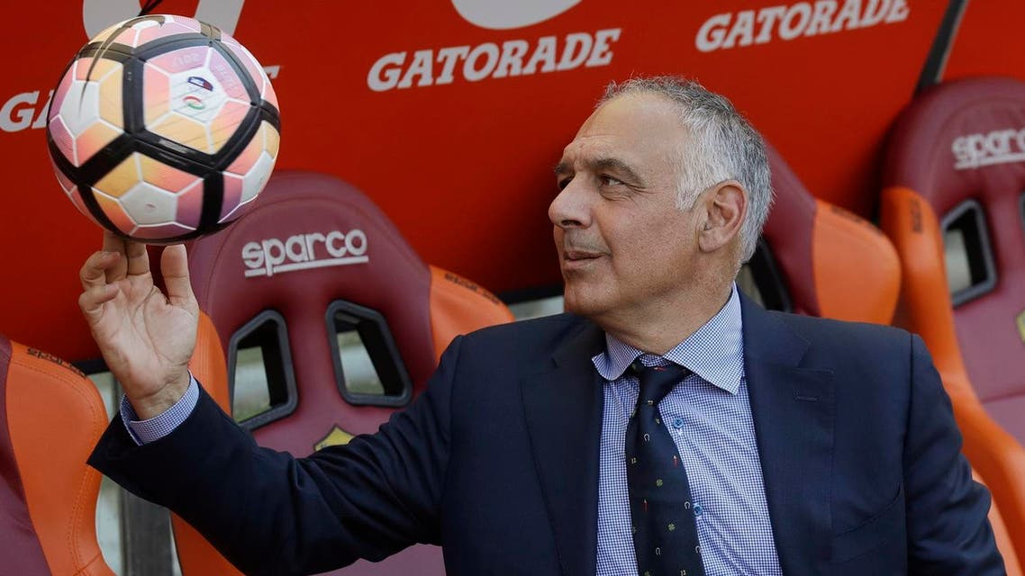 AS Roma president James Pallotta plays with a ball aP