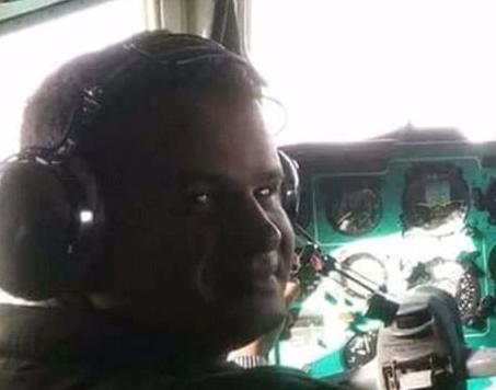 قائد الطائرة المنكوبة