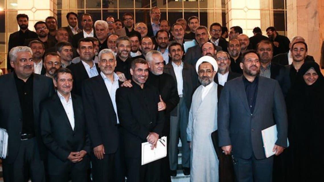 أحمدي نجاد ووزراء حكومته السابقين