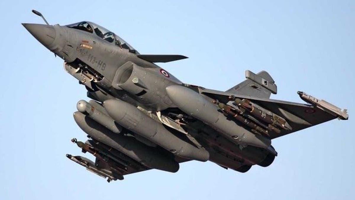 مصر وفرنسا توقعان عقداً لتوريد 30 طائرة رافال
