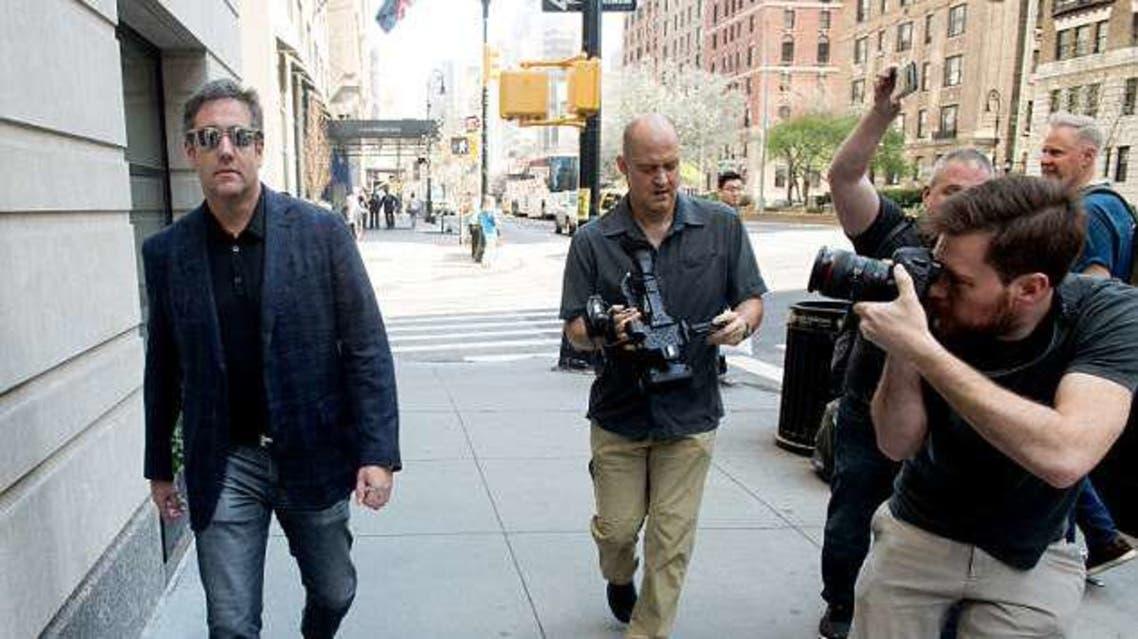 المصورون يتتبعون كوهين في نيويورك