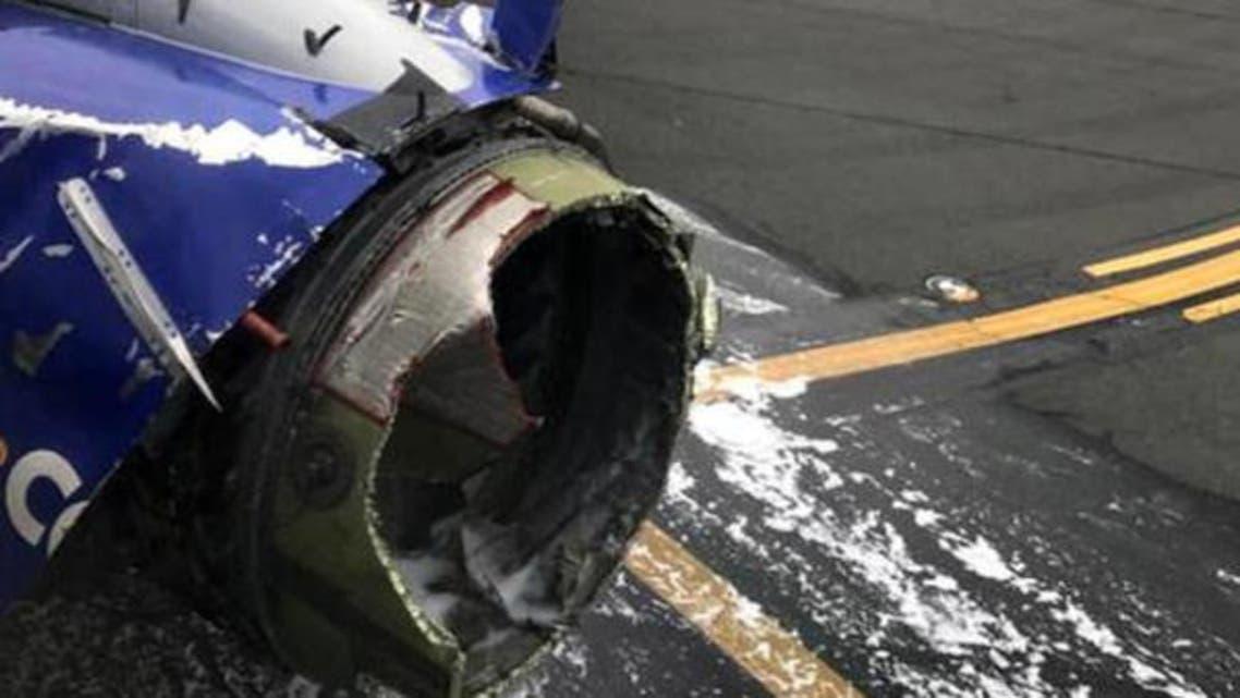 محرك الطائرة انفجر في الجو